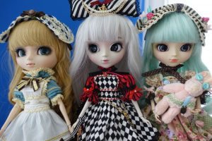Classical Alice, Optical Alice and Alice du Jardin mint