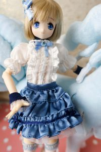 Aquamarine Alisa is my only Azone doll right now!
