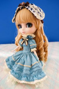 Classical Alice's Dress.