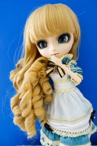 Classical Alice's Wig.