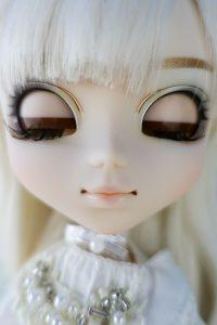 Pullip Nana-chan's eyelids! She is a natural kitten.