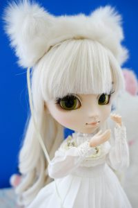 Nana-chan and her fluffy headband!