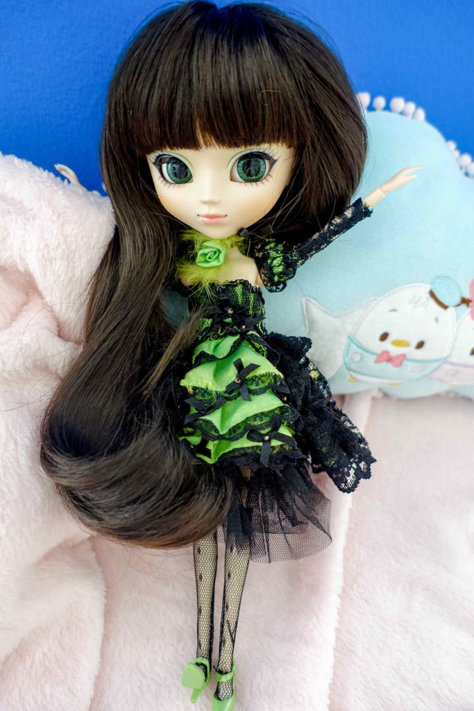 Pullip Chloi is just like her twin Clara a Doll Carnival 2010 limited release. There are 600 Chlois worldwide!