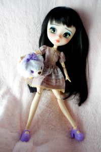 Poison Girl's Dolls Mayu on fluffy blanket.