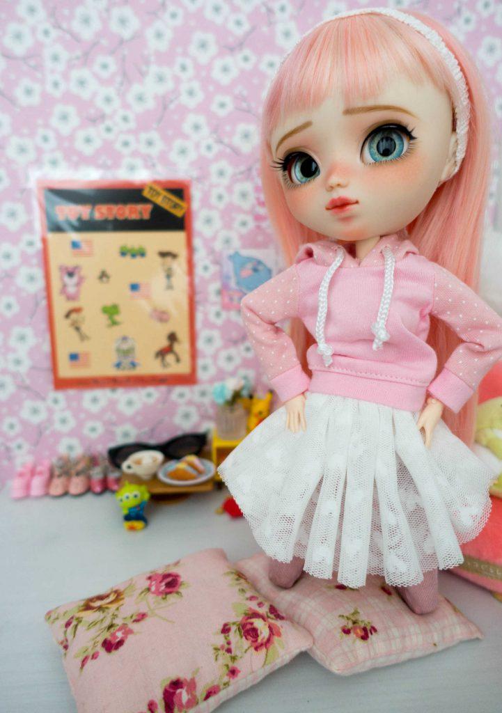 Ruri in her room, so proud!