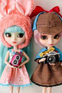 Pullip Saya and Lu with cameras.