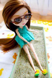 Pullip Summer Purezza wearing her cool aviators!