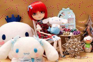 Minka and lots of Cinnamoroll plushies.