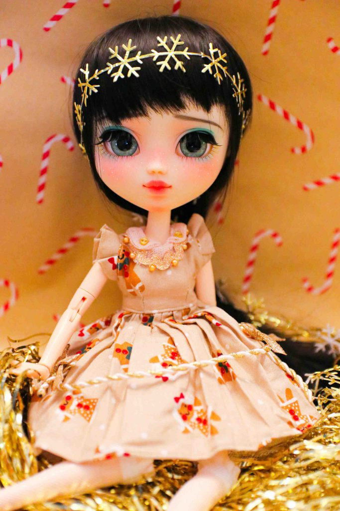Pullip Mayu in her gingerbread dress!