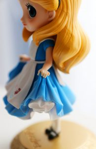 Alice's pose