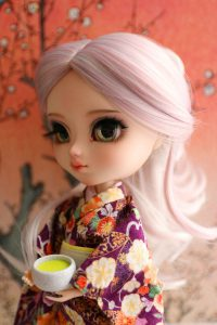 Sencha looks so lovely in this kimono!