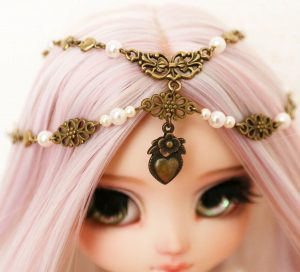 Sencha's head jewellery
