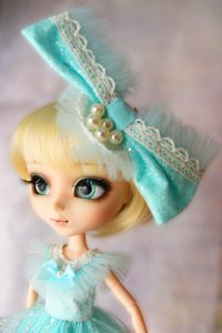 Elise is a minty, blond fairy!